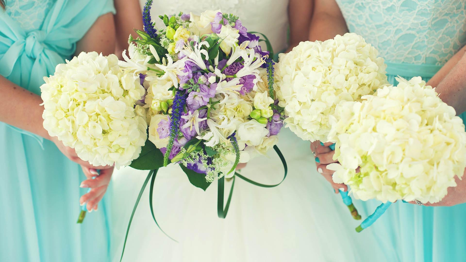 http://fantasticblooms.com/wp-content/uploads/wedding-bouquet-flower-preservation.jpg